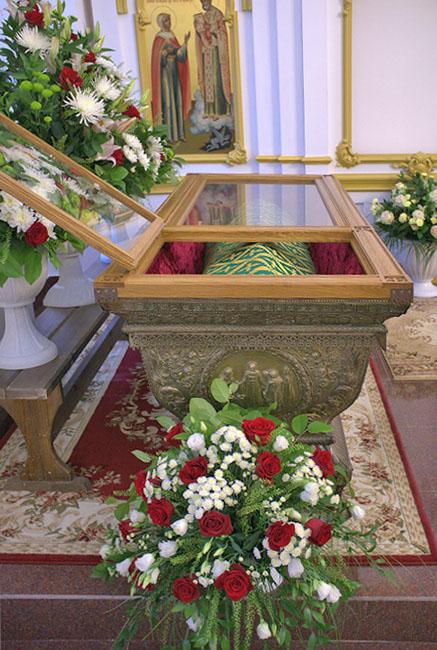 Рака святой праведной Иулиании Лазаревской. Фото: http://lubovbezusl.ru/publ/istorija/murom/m/48-1-0-2256