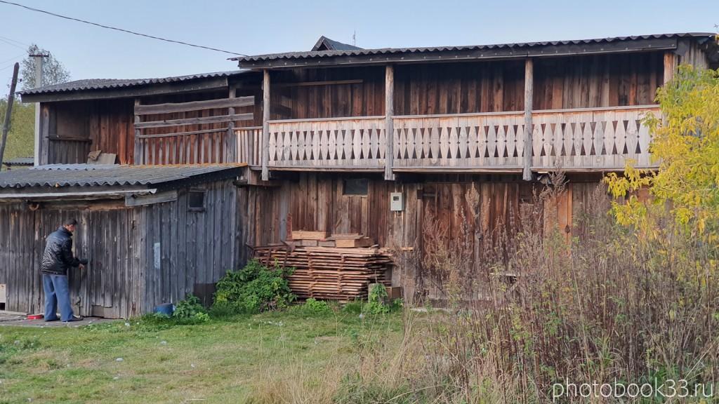 141 Двухэтажный сарай в с. Денятино, Меленковский район