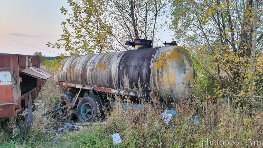 148 Старая сельскохозяйственная техника в с. Денятино, Меленковский район